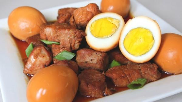 chế biến thịt kho tàu trứng