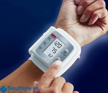 Cách đo huyết áp bằng máy bắp tay chính xác