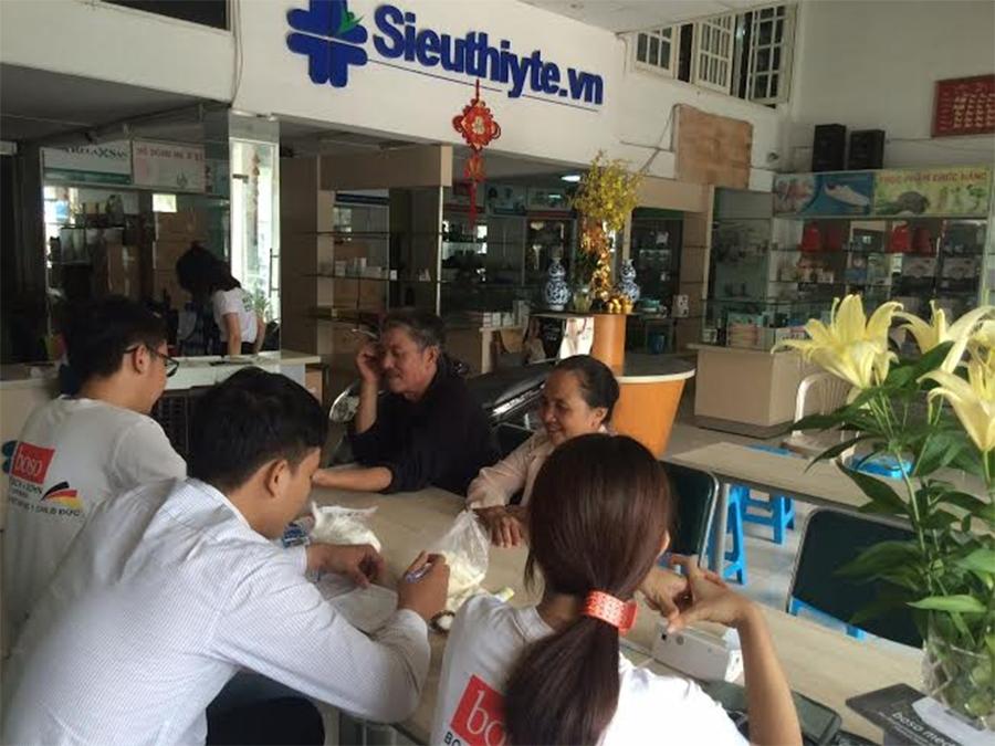 Hùng Hy đồng tổ chức buổi tầm soát và tư vấn bệnh ĐTĐ tại phòng khám Hữu Nghị