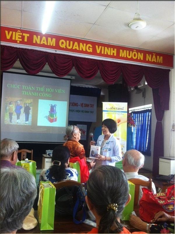 29 - 06 - 2016 Siêu Thị Y Tế đồng hành cùng CLB Đái Tháo Đường bệnh viện Gò Vấp