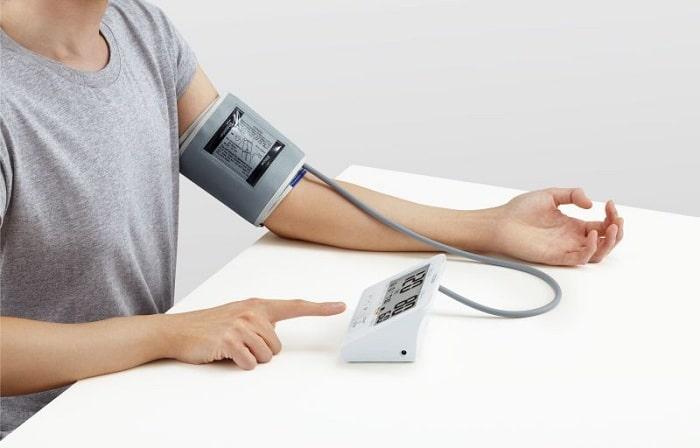 Máy đo huyết áp bắp tay cho kết quả chính xác cao hơn máy đo huyết áp cổ tay