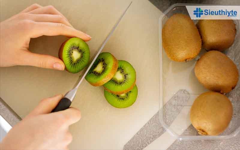 Chế độ dinh dưỡng có vitamin C dành cho người bệnh suy giãn tĩnh mạch