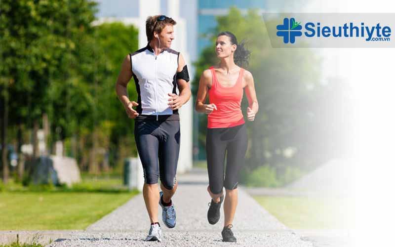 Đi bộ mỗi ngày là hoạt động rất tốt cho tim mạch.