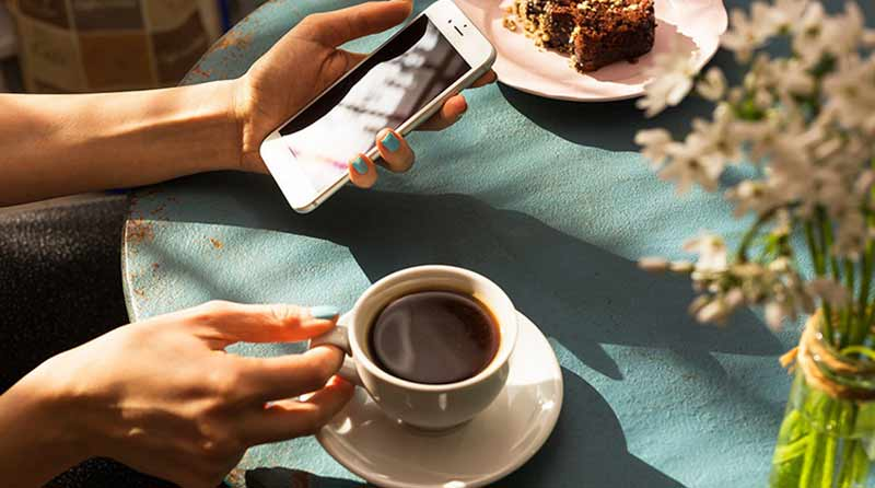 Uống cà phê giảm nguy cơ mắc bệnh gout. (Ảnh: Internet).
