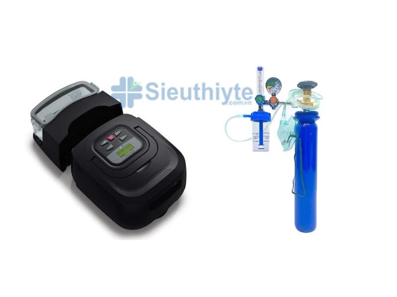 Máy thở cầm tay có 2 loại chính là: Máy thở cầm tay chạy bằng khí di động và máy thở cầm tay điều khiển bằng vi xử lý