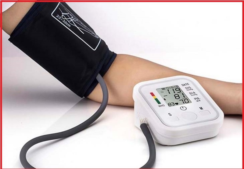 Máy đo huyết áp điện tử có ưu điểm nhỏ gọn, dễ sử dụng